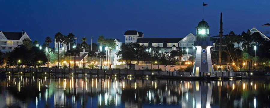夜のディズニー・ヨットクラブ・リゾート