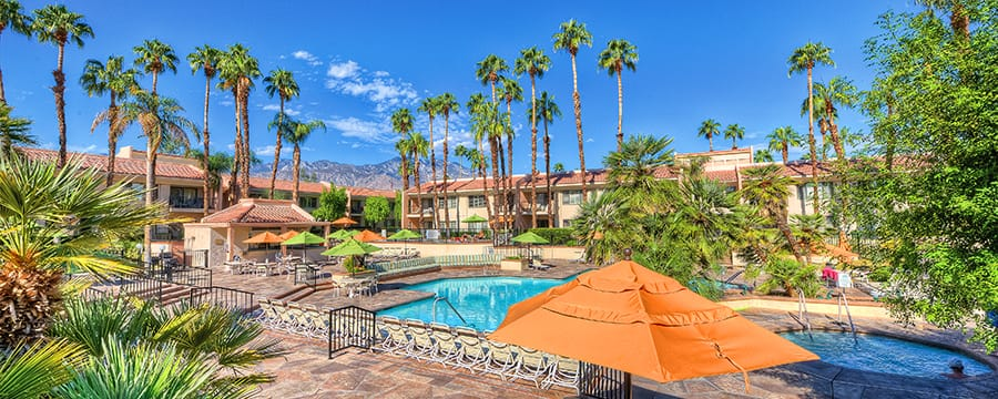 The view of Welk Resort Palm Springs pool
