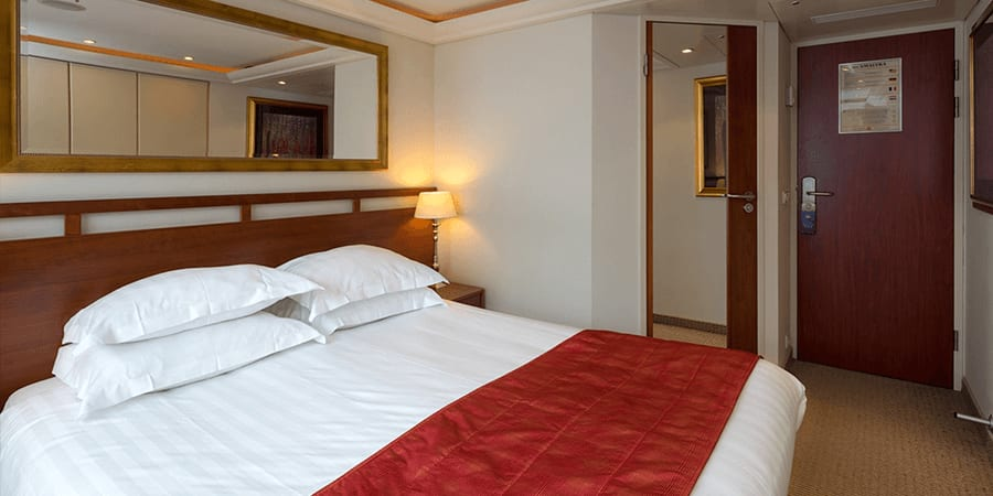 A Category C room, featuring a double bed.